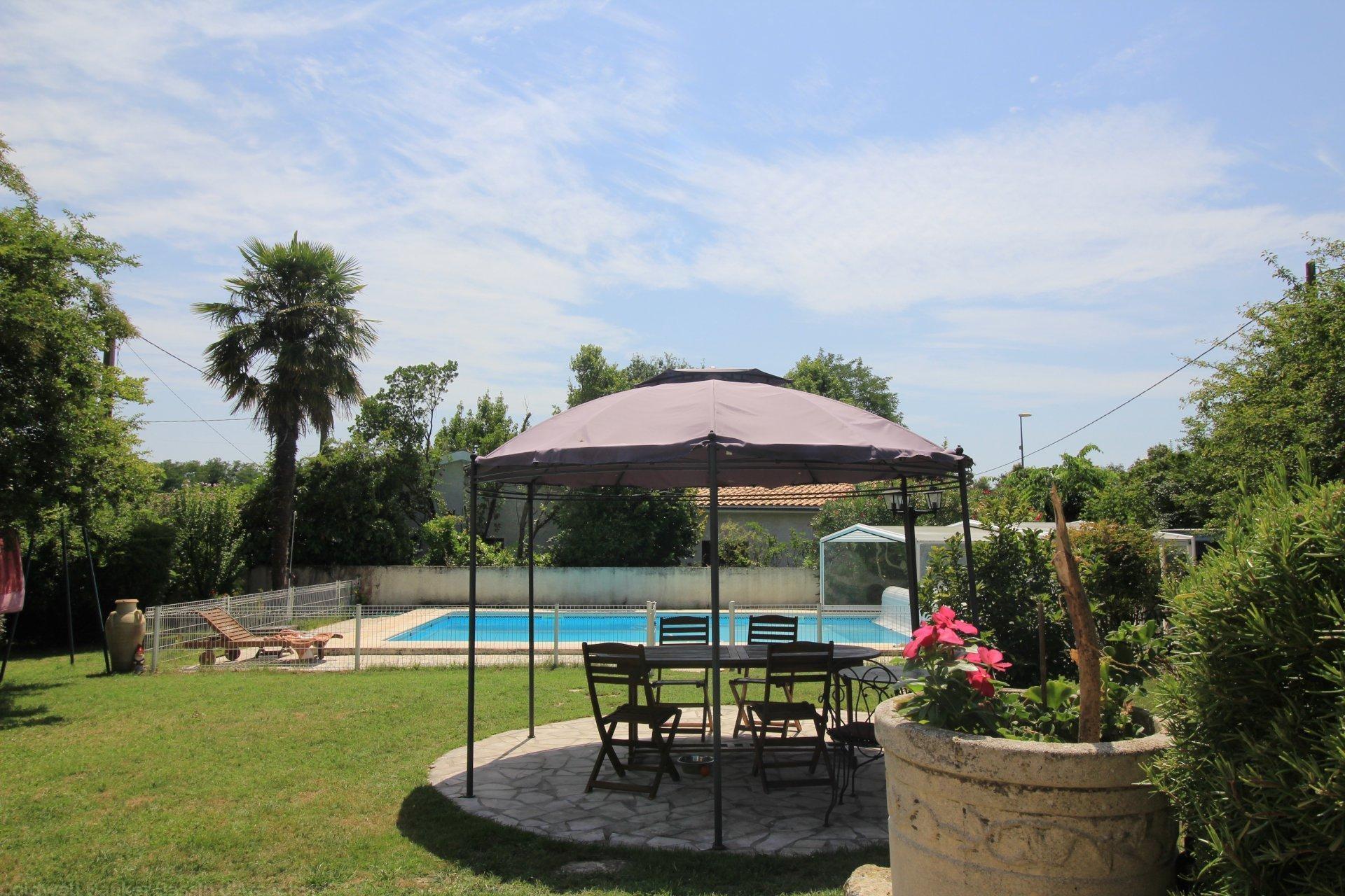 maison 6 chambres avec piscine a vendre alentours de bordeaux