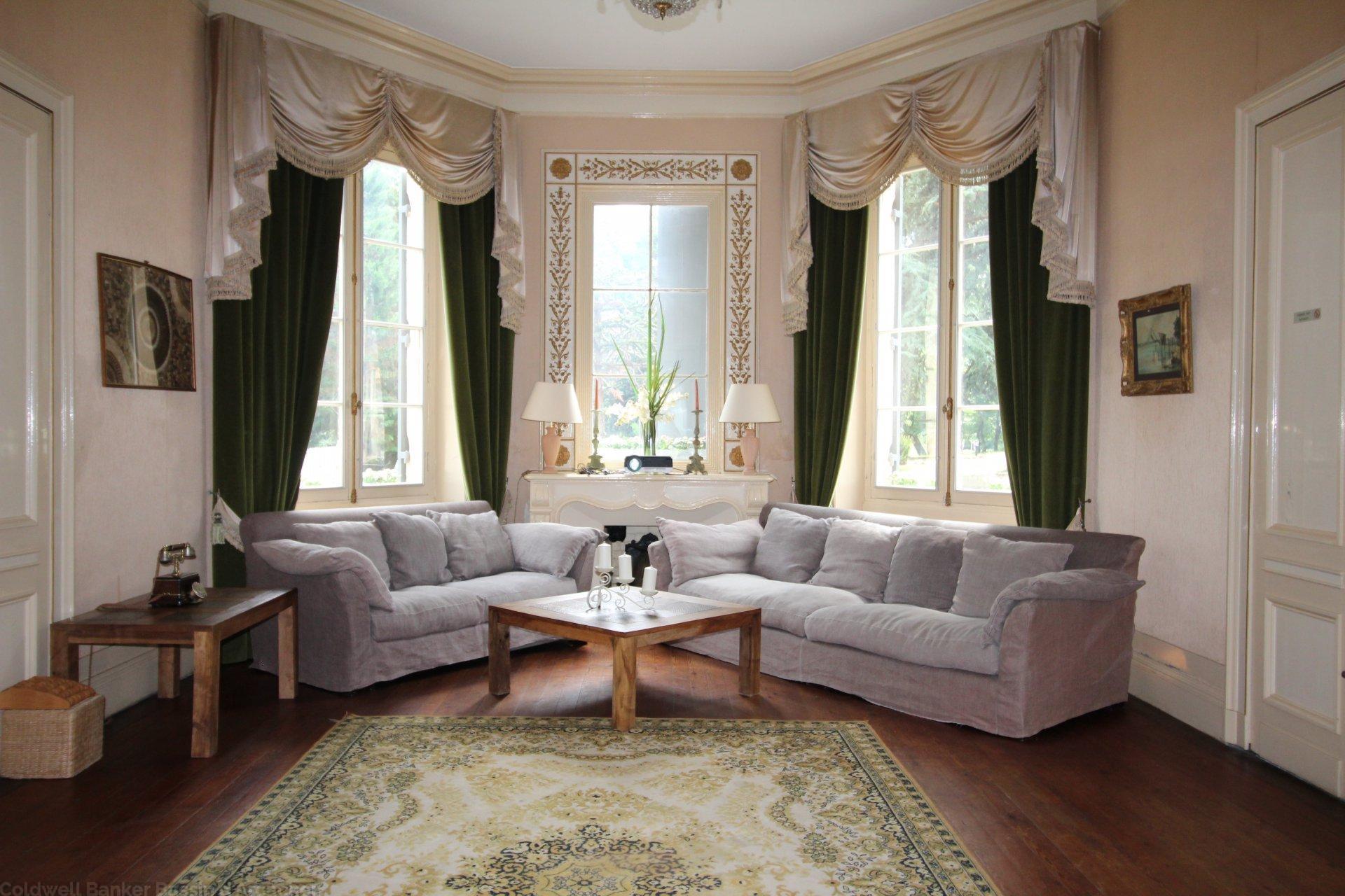 chartreuse id ale chambres d 39 h tes ou h tel de luxe vendre proche bordeaux montussan. Black Bedroom Furniture Sets. Home Design Ideas