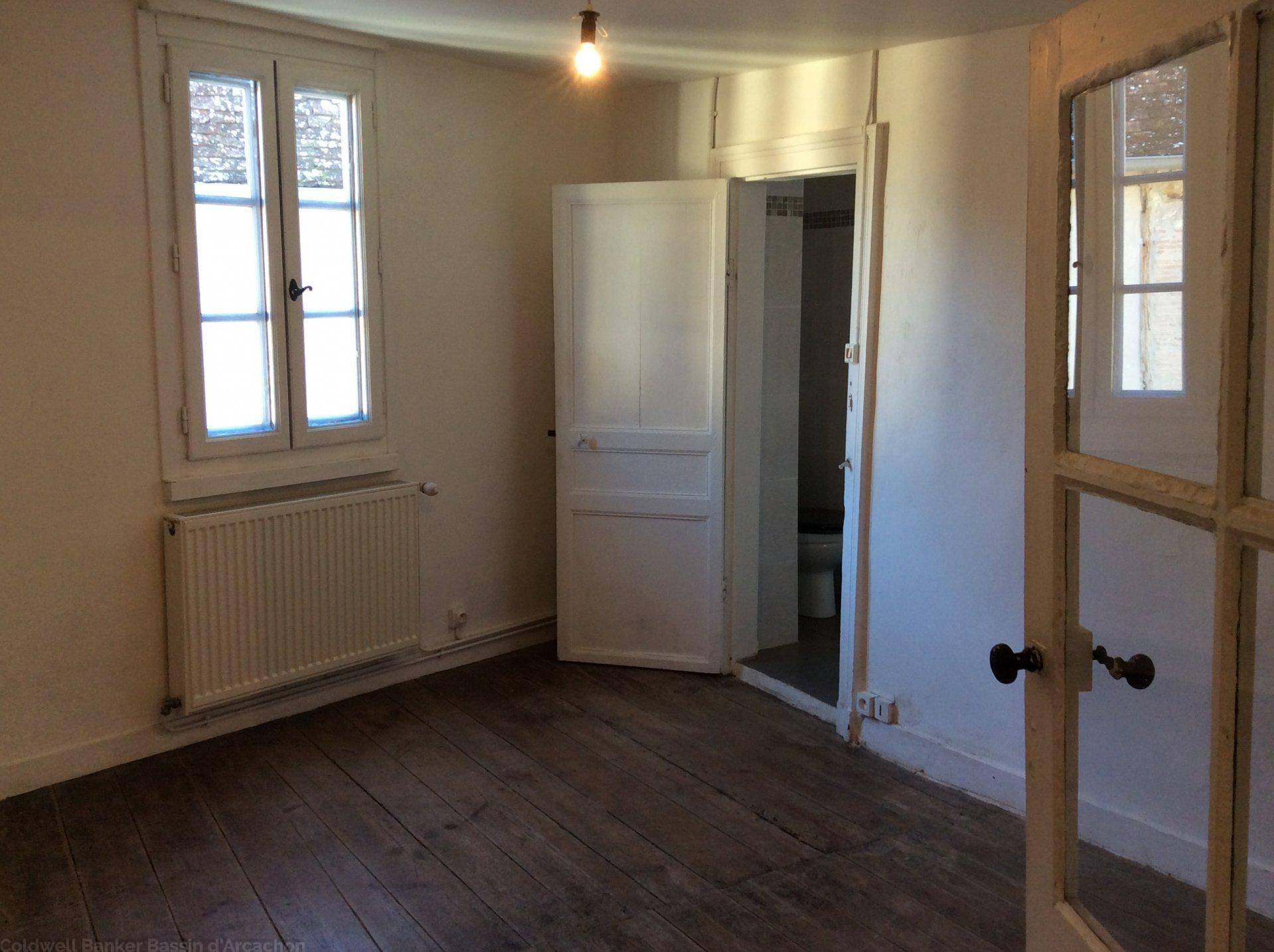 Vente maison ancienne rénovée 2 chambres dordogne issigeac