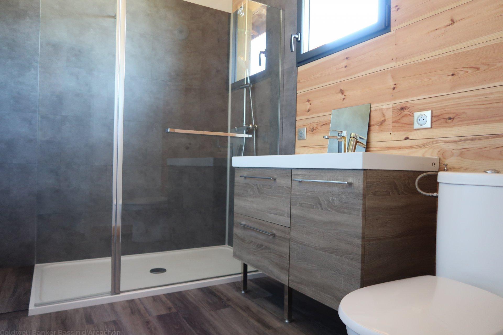 Belle maison de vacances 5 chambres avec terrain a vendre proche bassin d'arcachon salles gironde