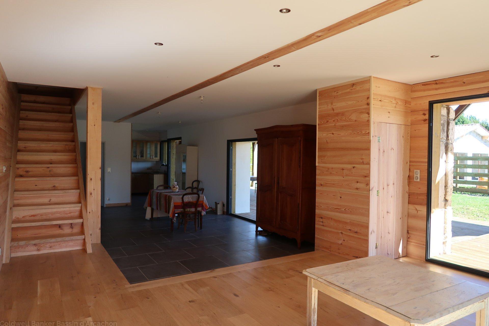 Vente belle maison familiale 5 chambres avec terrain proche bordeaux salles gironde