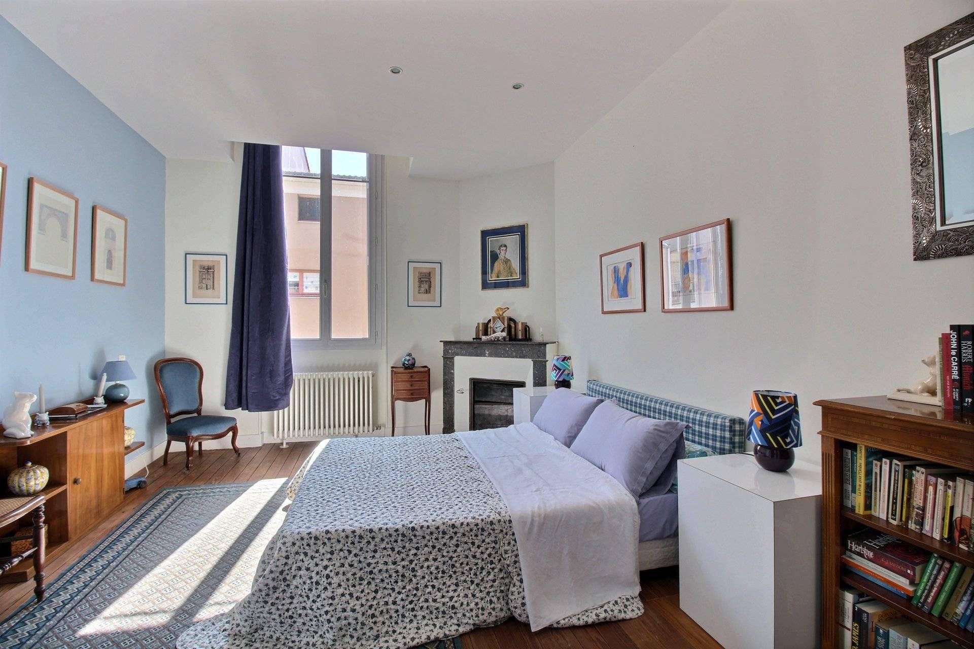 Belle maison de caract re avec jardin a vendre bordeaux chartrons saint louis coldwell banker - Belles maisons bordeaux ...