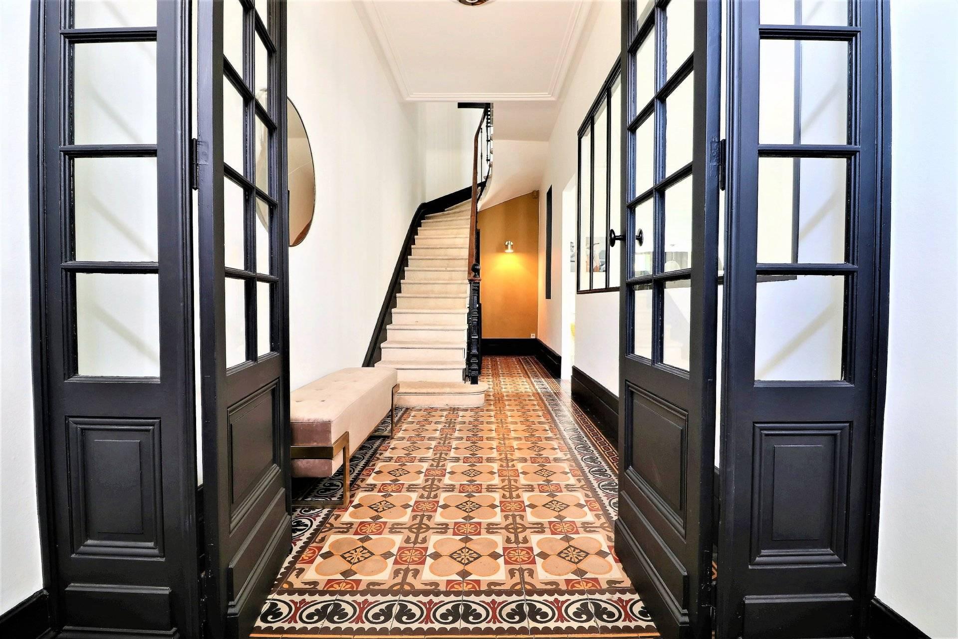 Villa De Luxe Traditionnelle En Pierre A Vendre Bordeaux Cauderan
