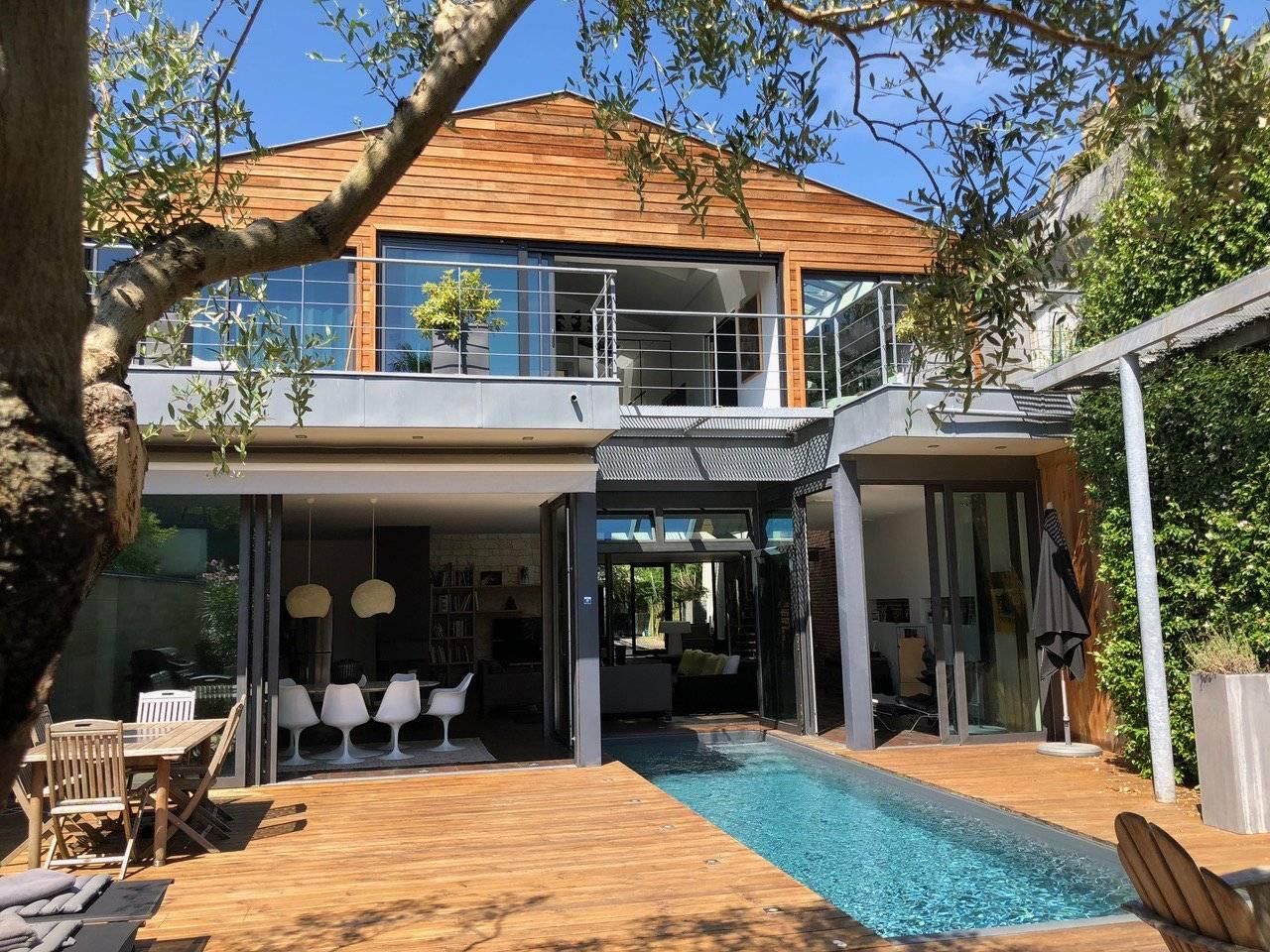 Splendide maison moderne de standing avec piscine à vendre ...