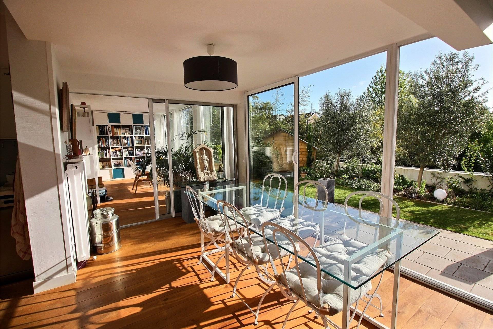 Appartement atypique avec terrasse et jardin à vendre ...