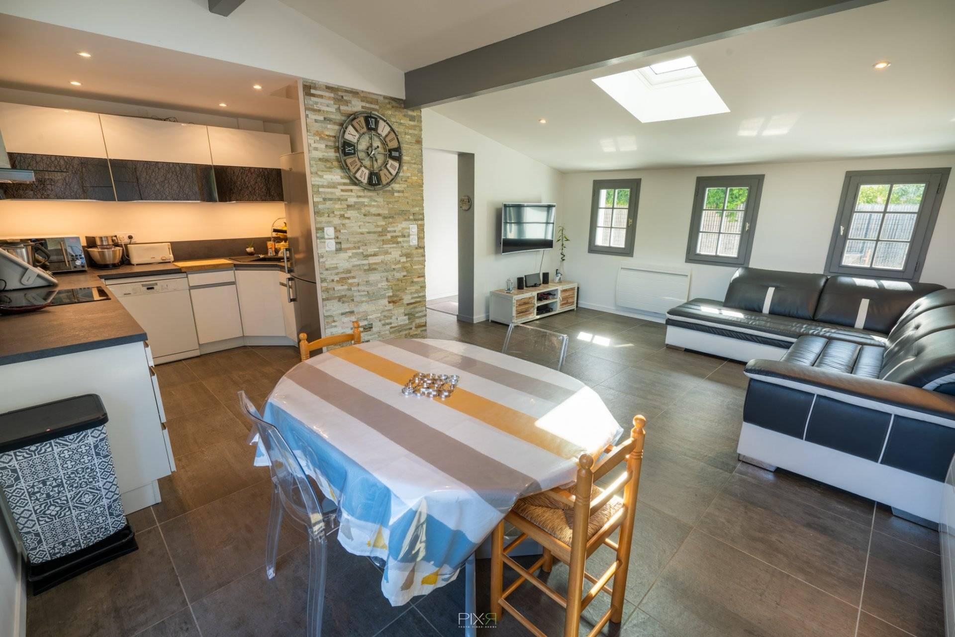 Maison 3 chambres avec jardin à vendre près du port GUJAN MESTRAS - Coldwell Banker