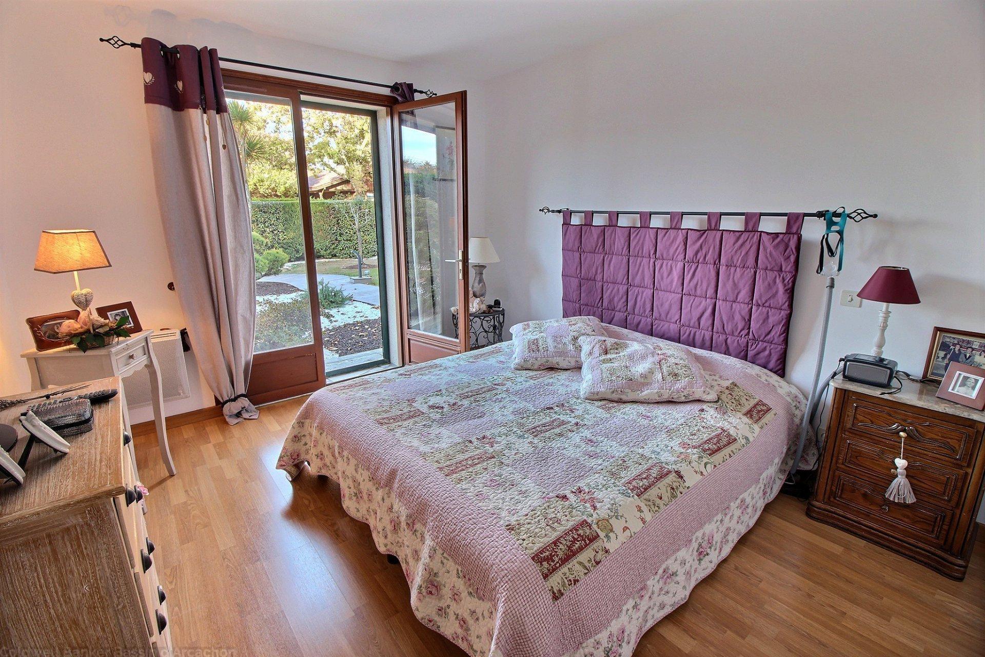 Vente maison familiale 5 chambres avec terrain et piscine basisn d arcachon