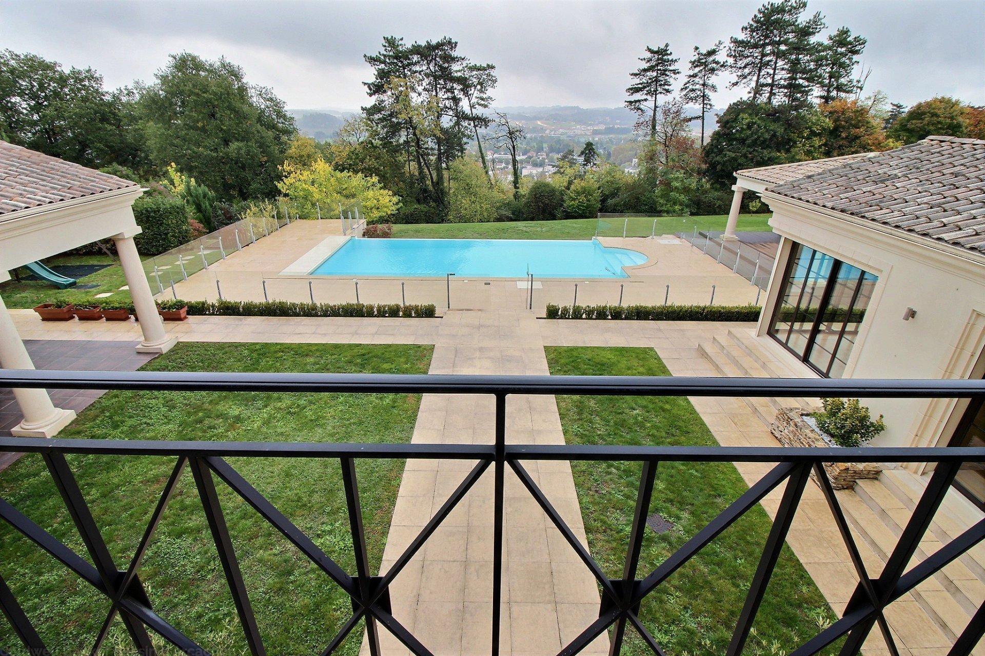 Recherche villa haut de gamme 6 chambres avec piscine dordogne proche perigueux trélissac
