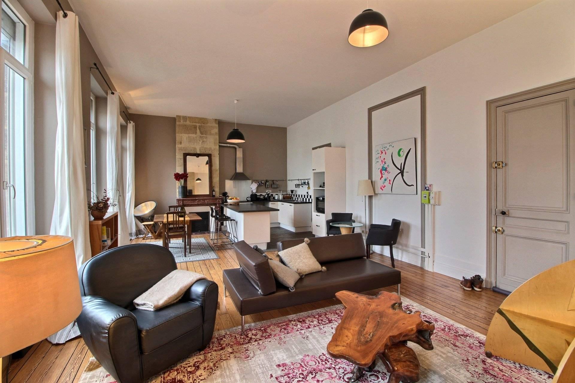 Vente appartement duplex rénové 4 chambres Bordeaux Chartrons