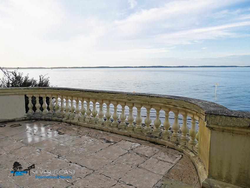 vente villa de prestige sur Arcachon avec grande terrasse vue Bassin