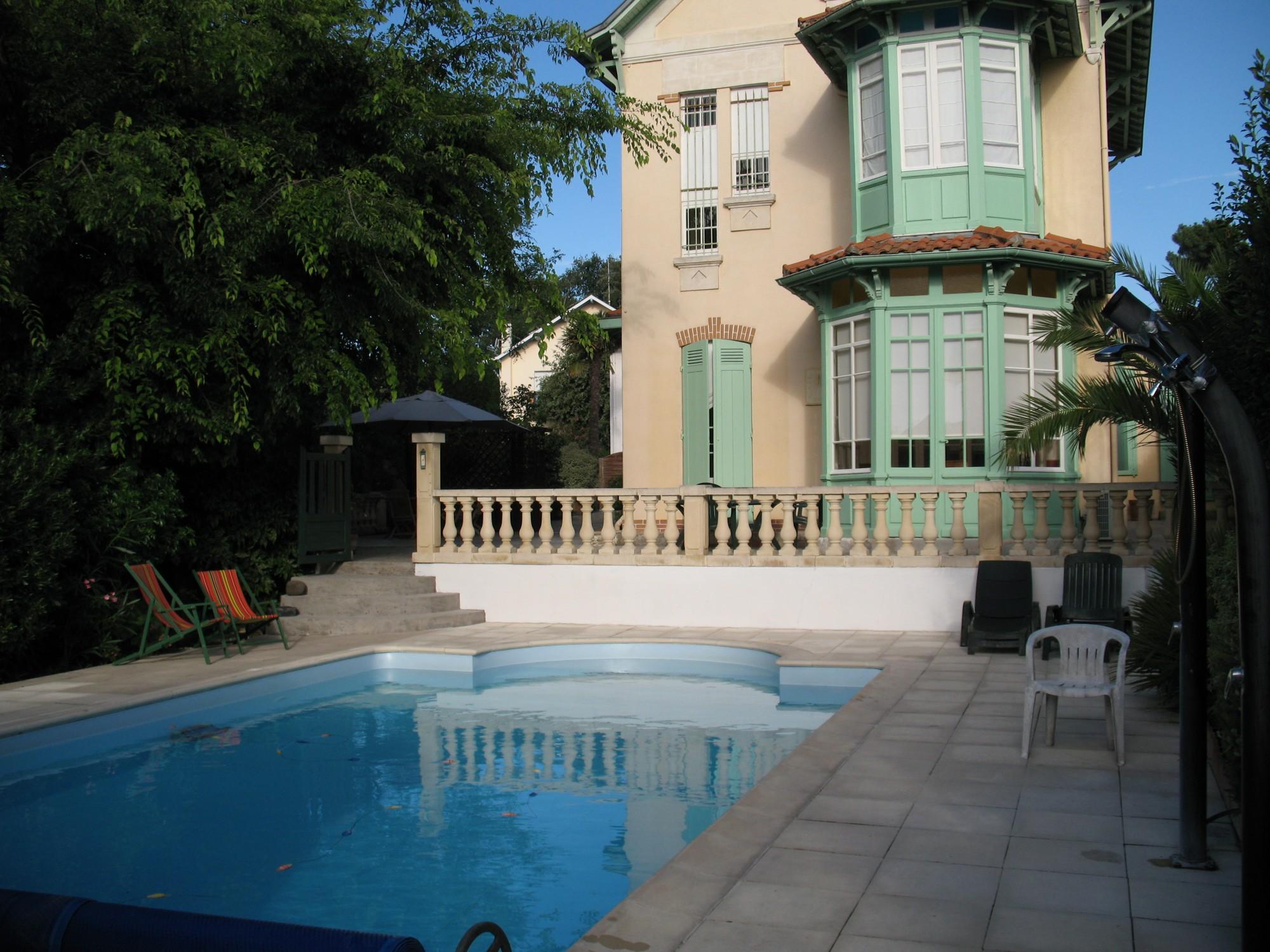 à vendre Villa arcachonnaise avec piscine