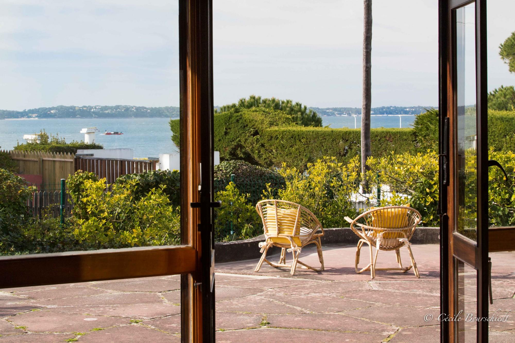 villa de luxe à vendre pieds dans l'eau bassin arcachon