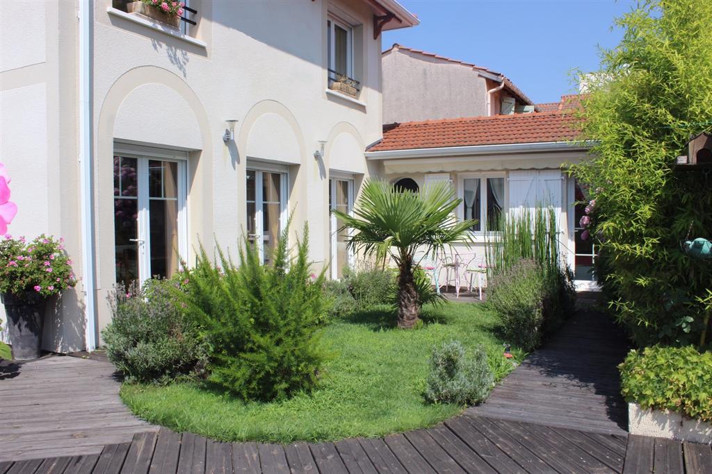 Villa neuve a vendre centre ville Arcachon