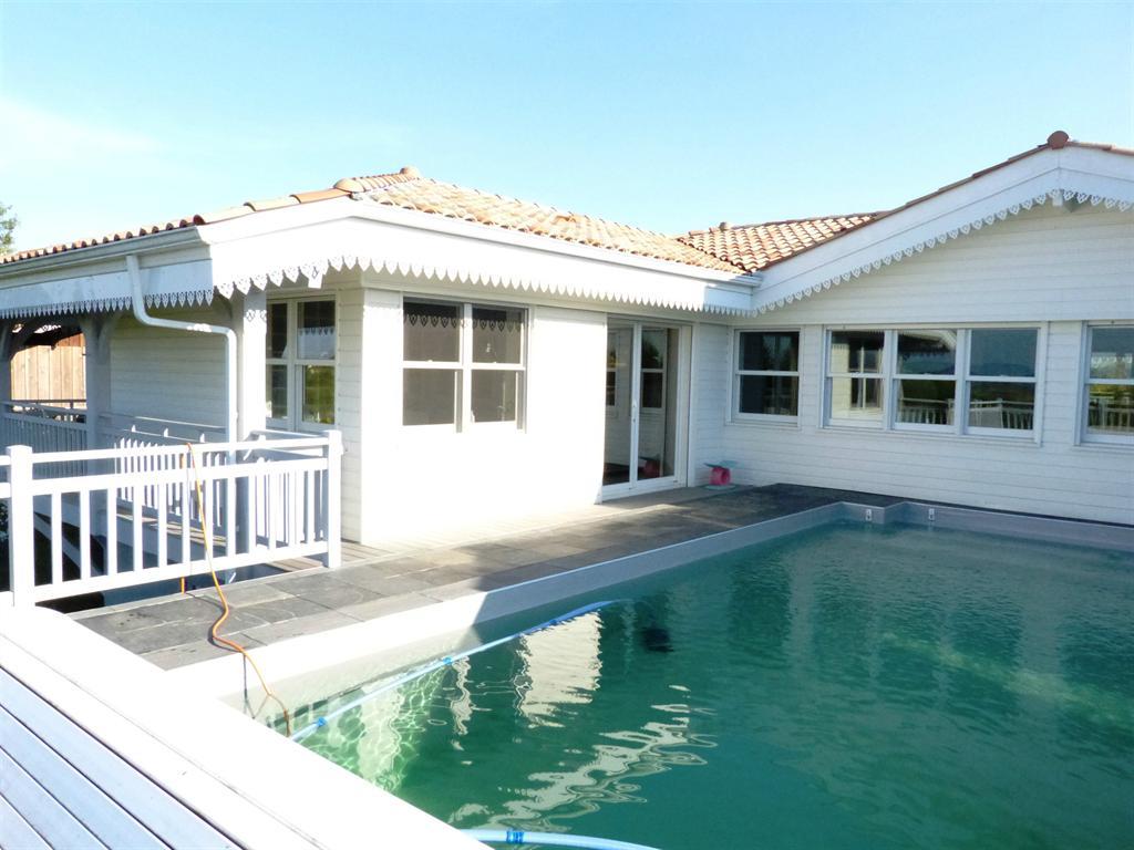 vue bassin d'arcachon villa avec piscine