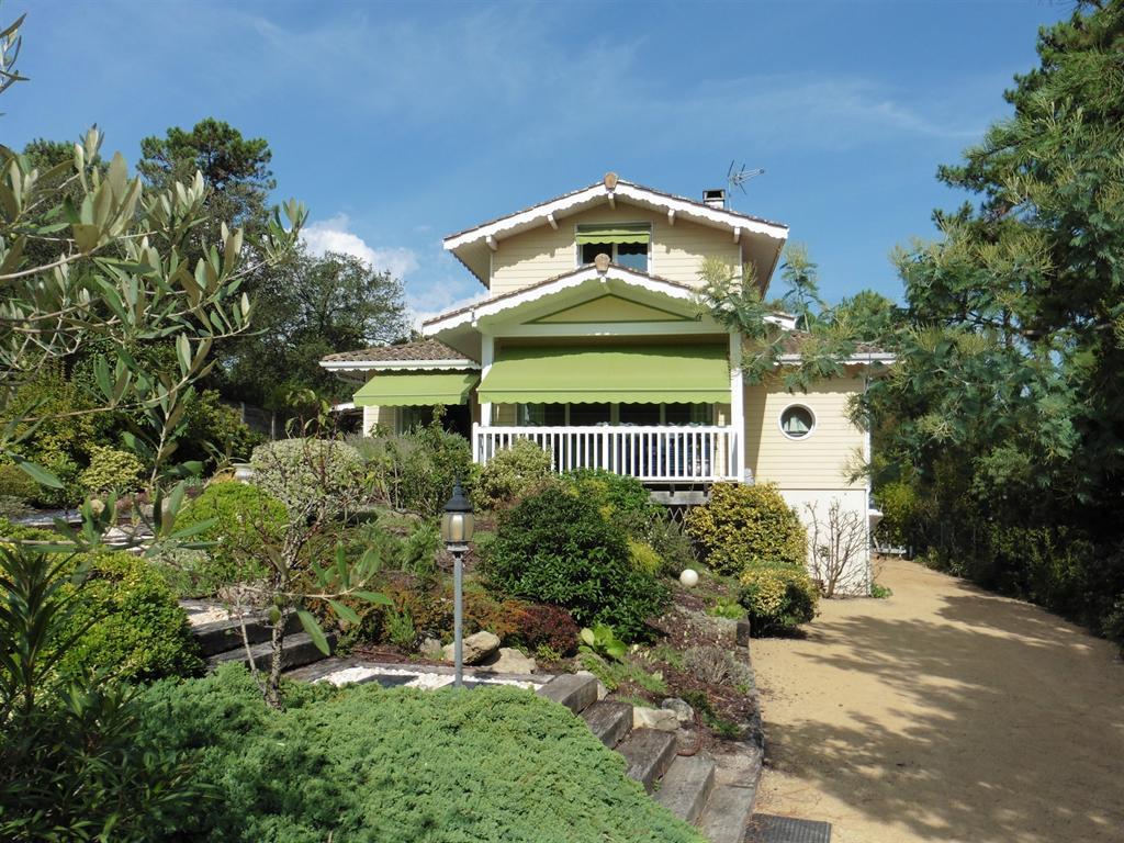 Lège cap ferret à vendre villa architecte avec piscine