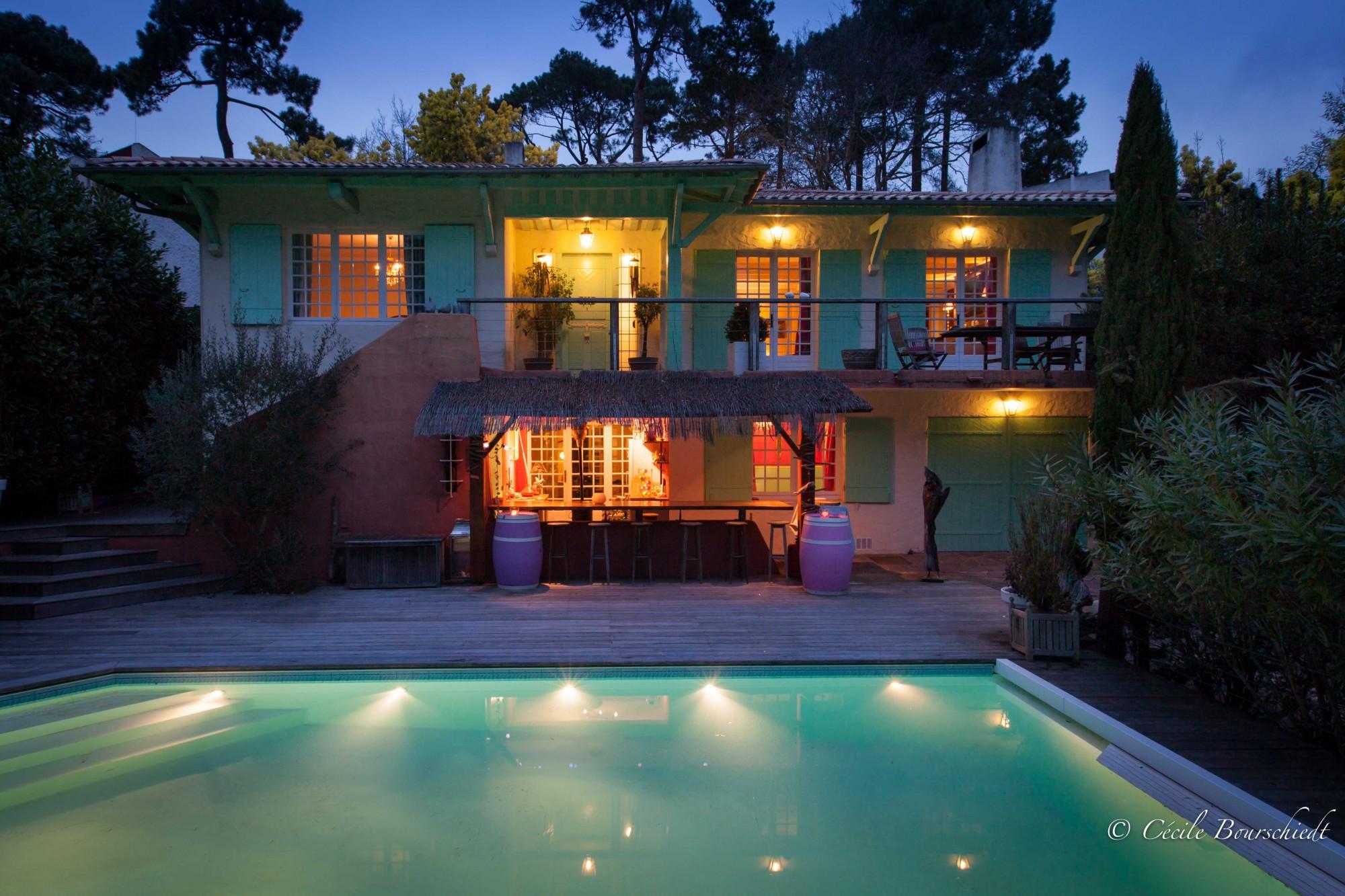 Villa r nov e proche plage avec piscine vendre arcachon for Piscine arcachon