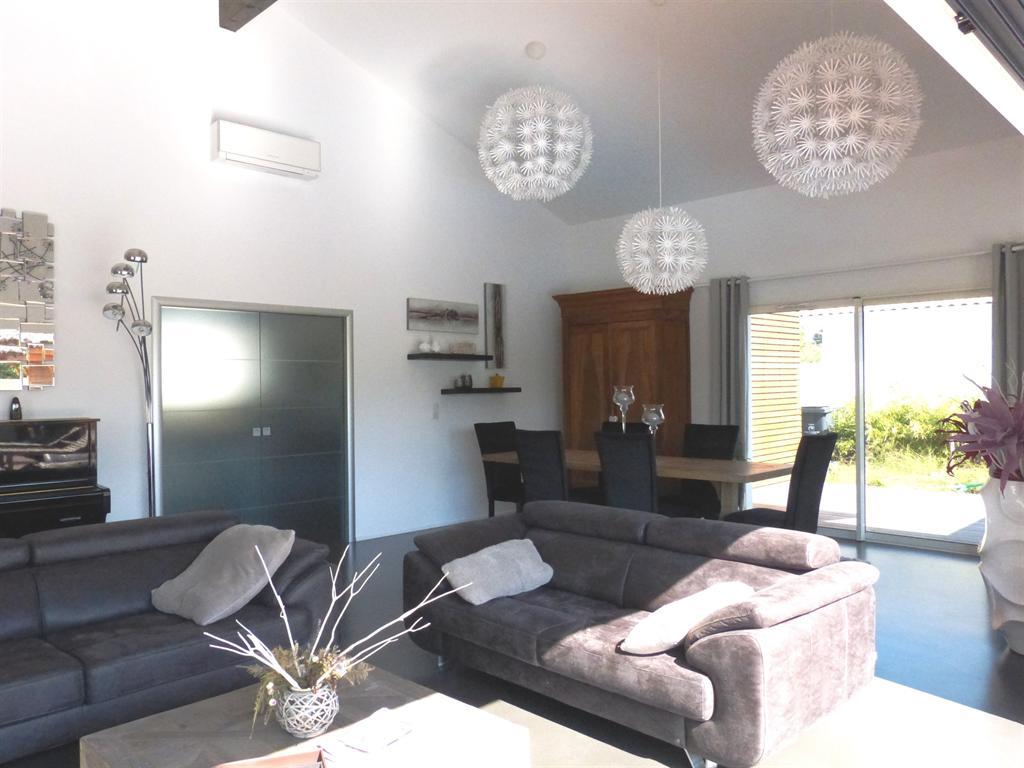 superbe villa d 39 architecte r cente de plain pied vendre gujan mestras bassin d 39 arcachon. Black Bedroom Furniture Sets. Home Design Ideas