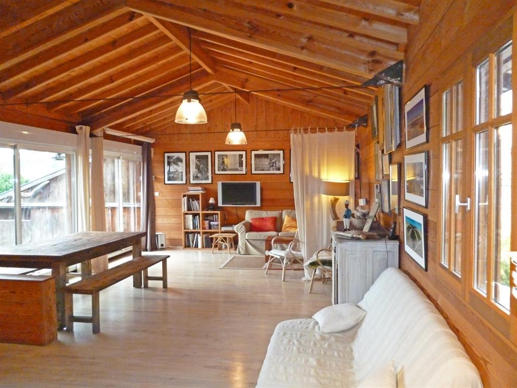 vente maison villa lege cap ferret petit piquey coldwell banker. Black Bedroom Furniture Sets. Home Design Ideas