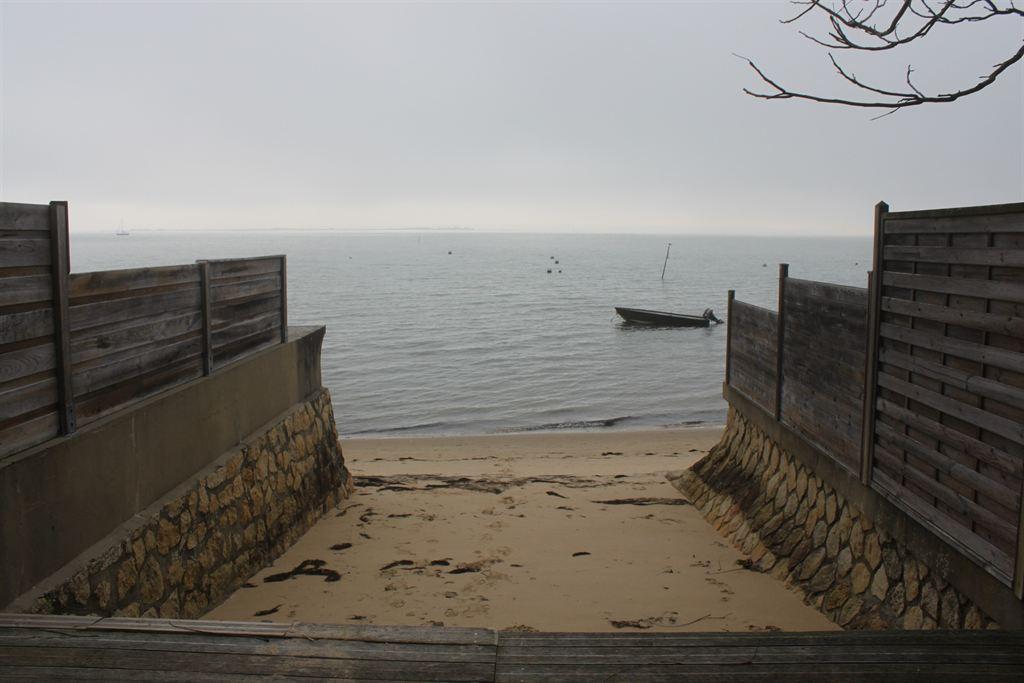 Villa en bois à vendre au Cap Ferret  Petit Piquey à 50 m de la plage