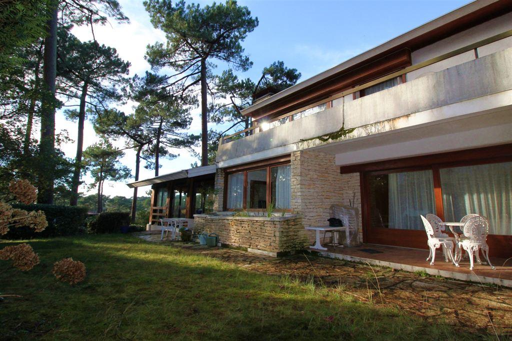 je souhaite acheter une villa moderne d'architecte situé sur le bassin d'Arcachon