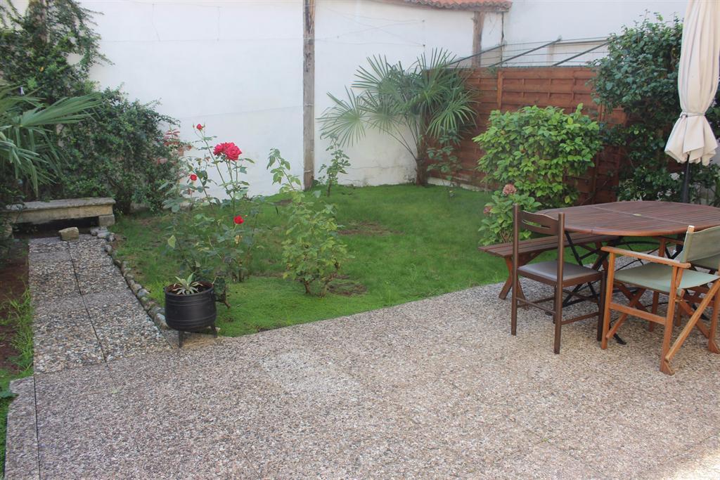appartement avec petit jardinet en vente centre Arcachon