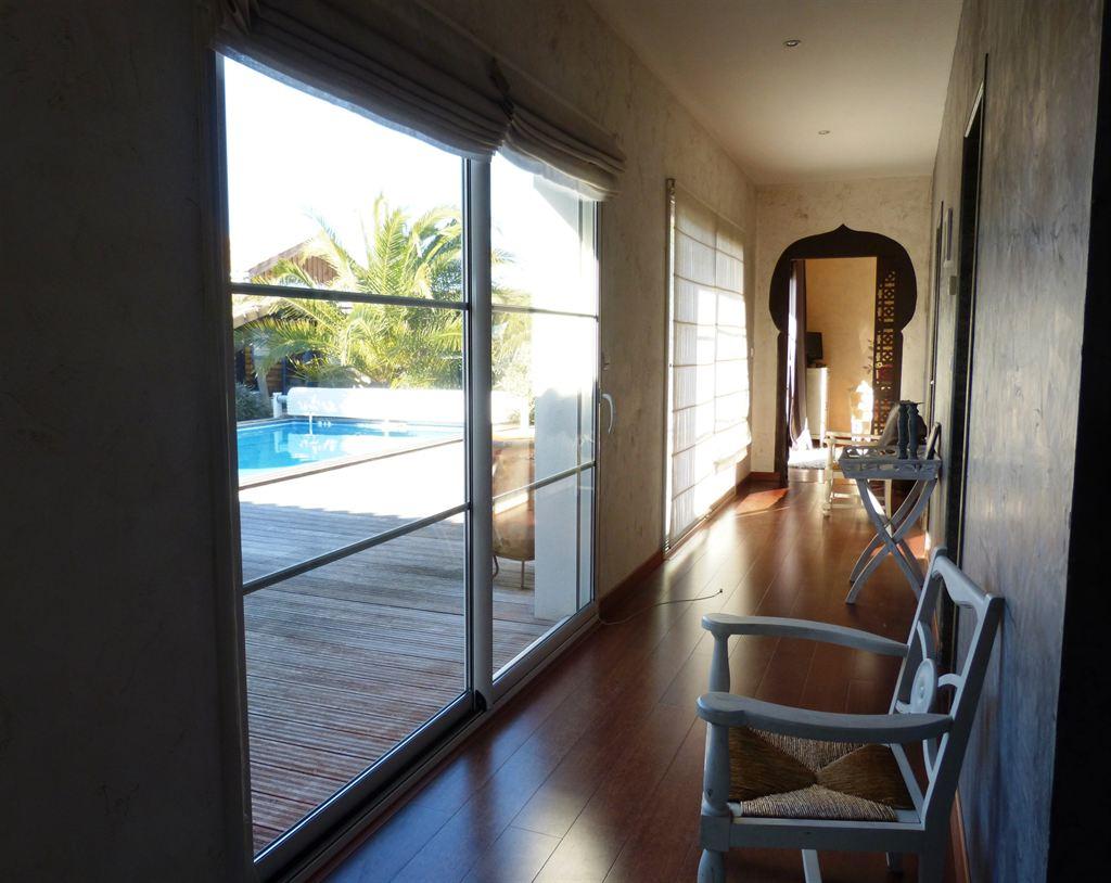 recherche villa 4 chambres moderne avec piscine proche port de Gujan Mestras