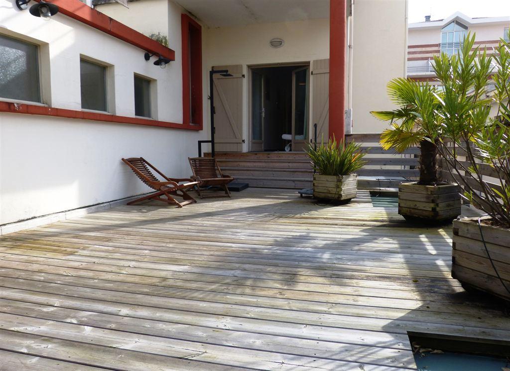 Appartement avec terrasse vendre arcachon centre ville for Appartement avec terrasse