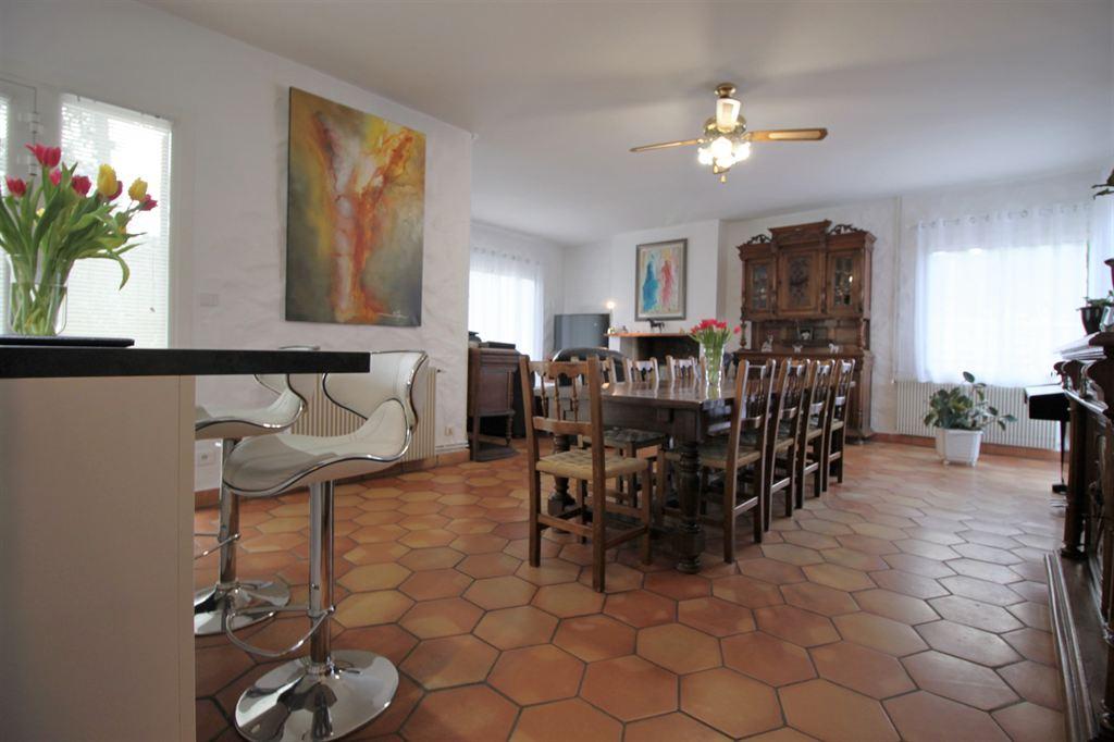 villa avec 3 chambres à la vente sur beau terrain proche Arcachon