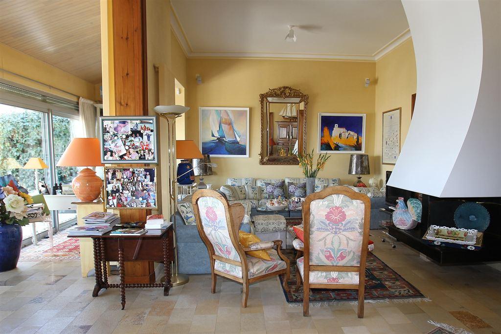 villa à vendre avec grande pièce de vie arcachon