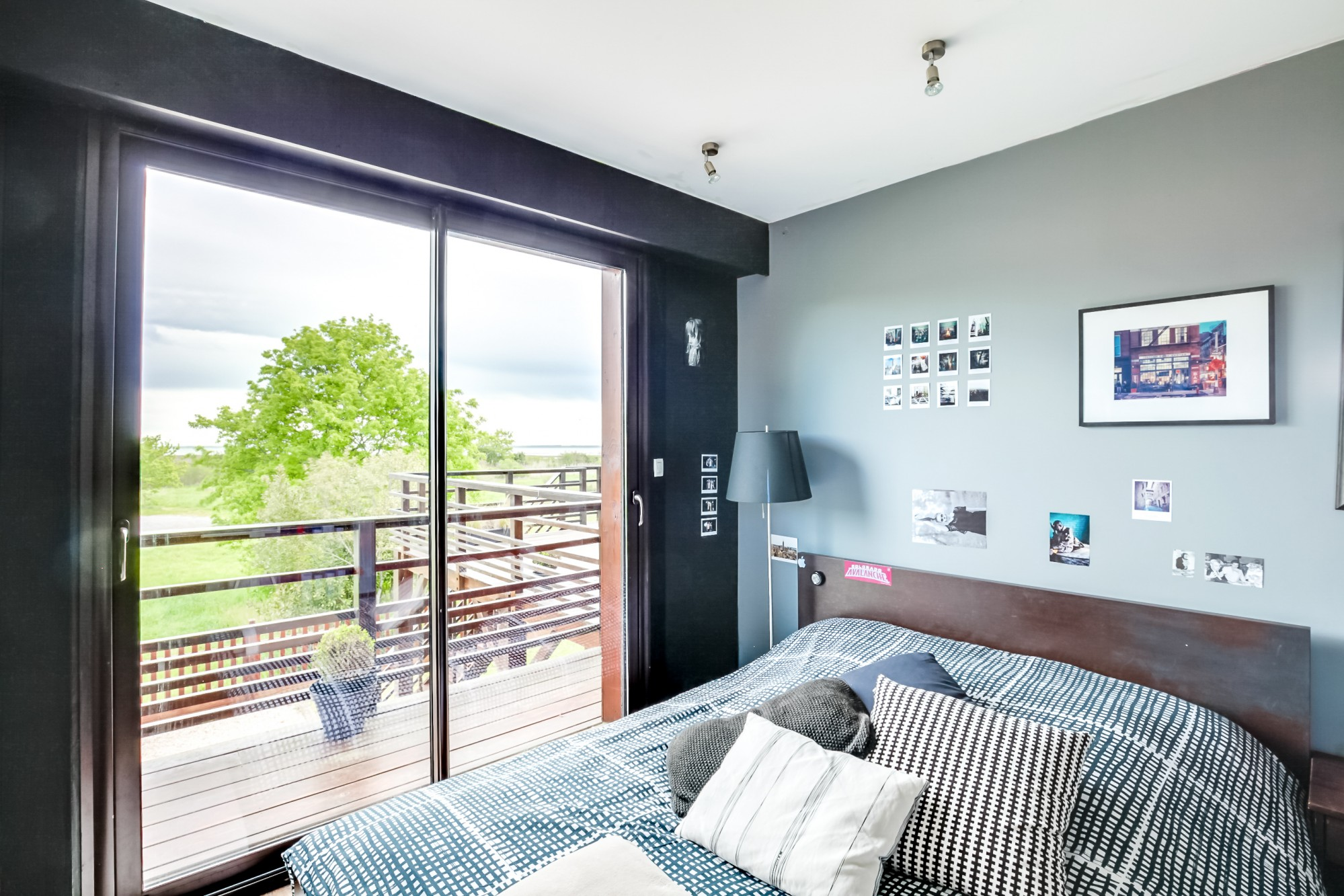 belle villa d 39 architecte en bois proche plage vendre bassin d 39 arcachon coldwell banker. Black Bedroom Furniture Sets. Home Design Ideas