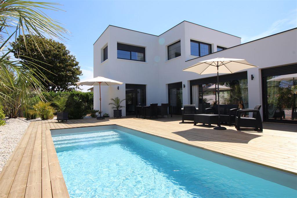 Vente villa d 39 architecte de standing avec piscine la teste - Maison a louer barcelone avec piscine ...