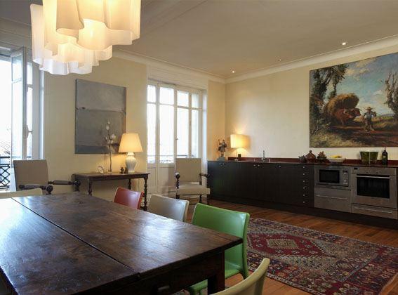Appartement de standing dans bel immeuble bourgeois for Appartement bordeaux triangle d or