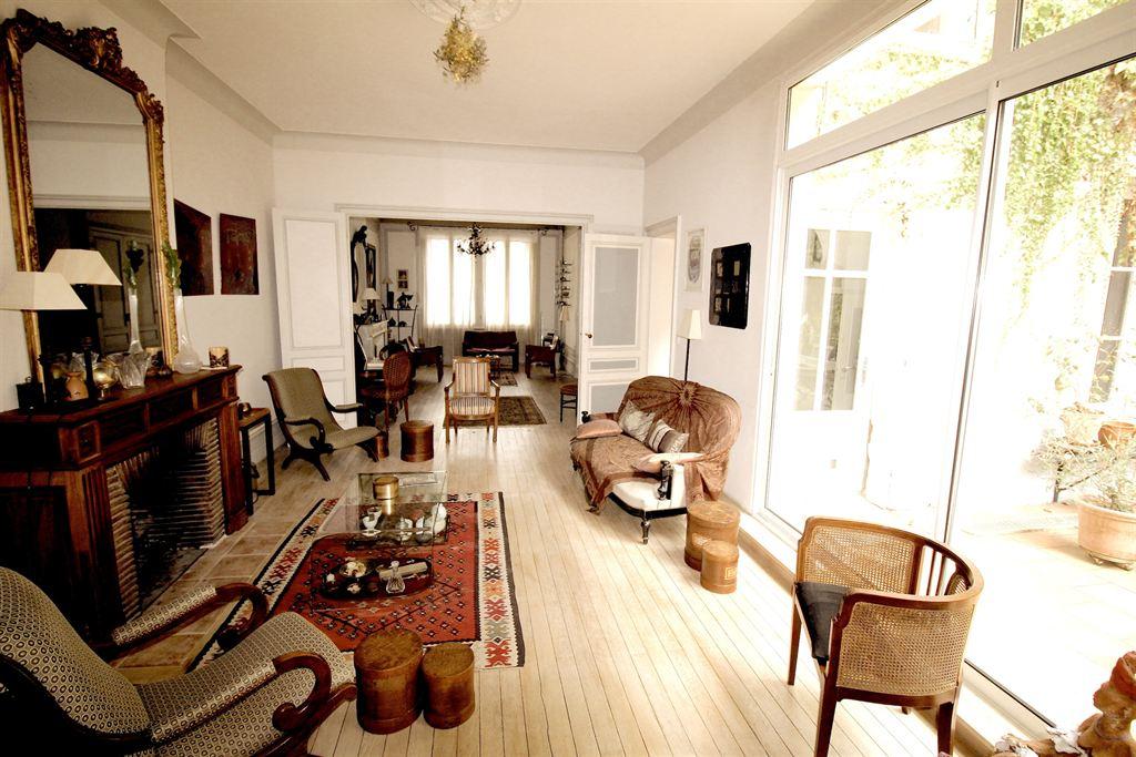 Vente maison villa bordeaux quartier du tondu belle maison de 360m renovee coldwell banker - Belles maisons bordeaux ...
