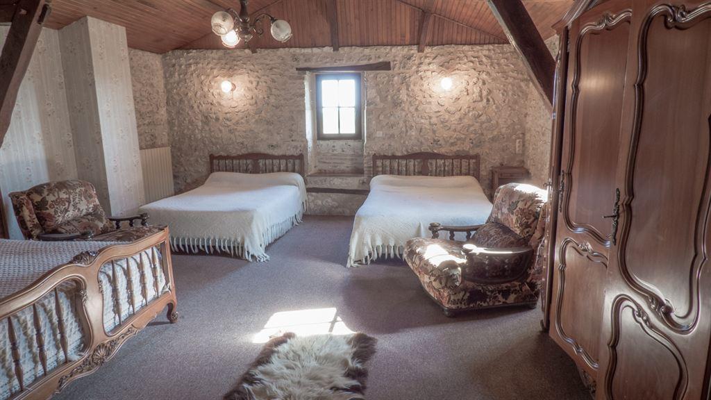 trouver grande demeure à vendre pour chambres d'hôtes et restaurant Dordogne