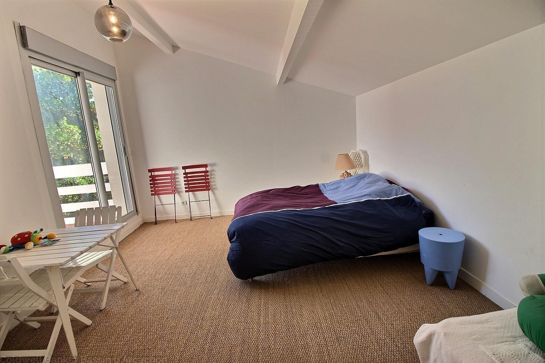 Villa 5 chambres 10 personnes vue bassin pyla sur mer for Site location chambre
