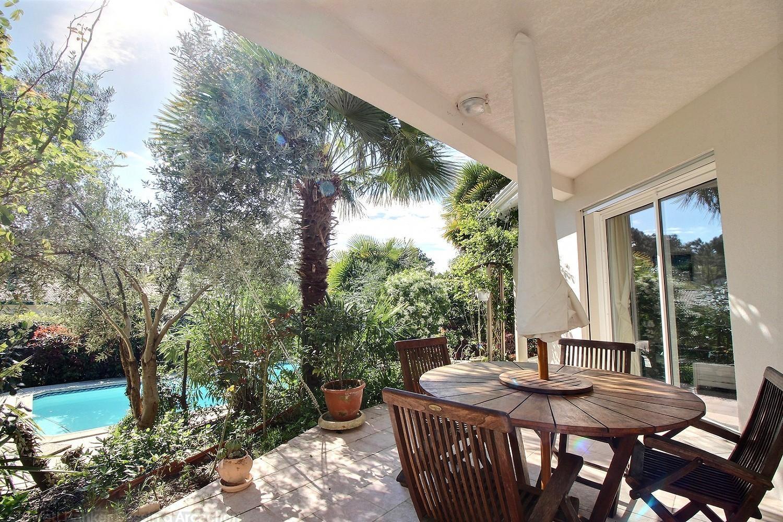 Tr s jolie villa d 39 architecte vendre arcachon abatilles coldwell banker for Le jardin moulleau