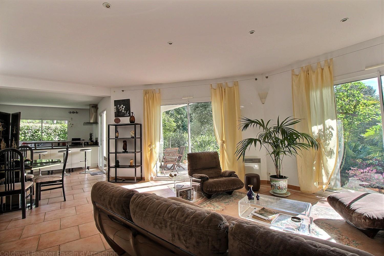 Villa familiale avec jardin et piscine à vendre arcachon quartier Abatilles entre pereire et moulleau