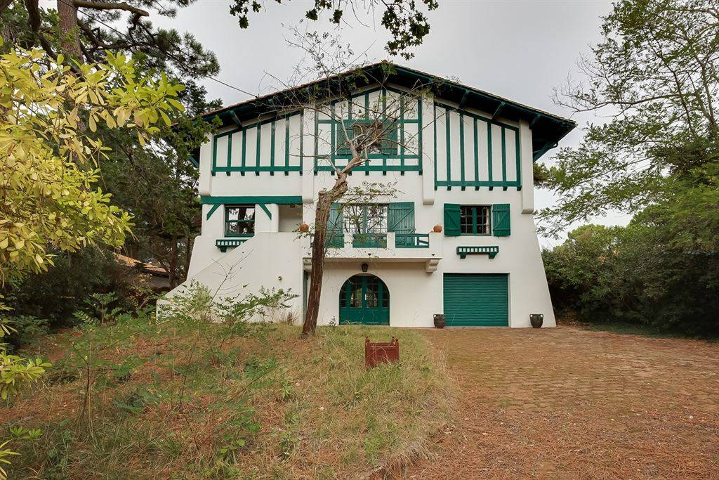 Villa Gaume a vendre avec vue panoramique sur le bassin Pyla su Mer