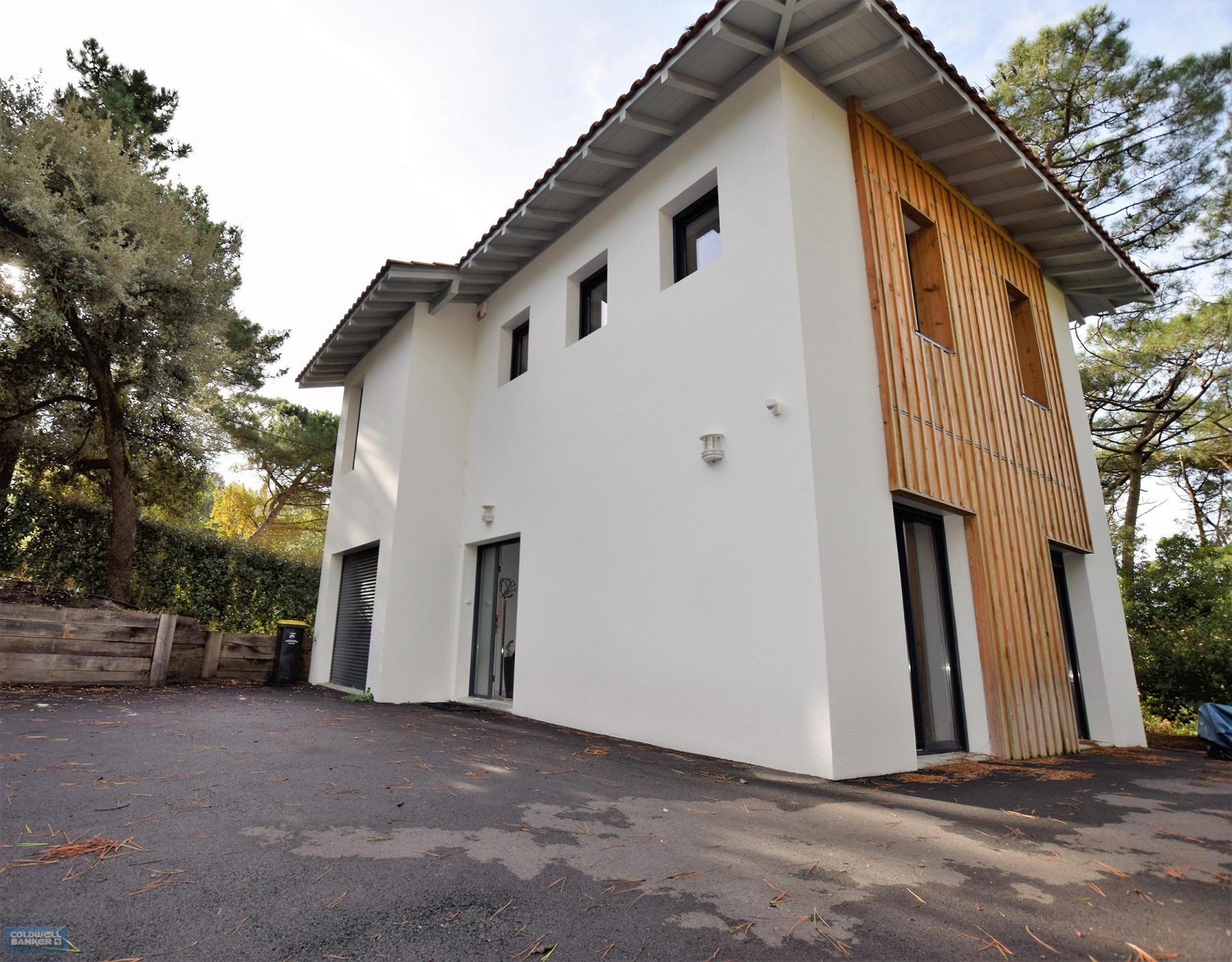 location villa familiale 5 chambres 10 couchages vue bassin piscine plage proche