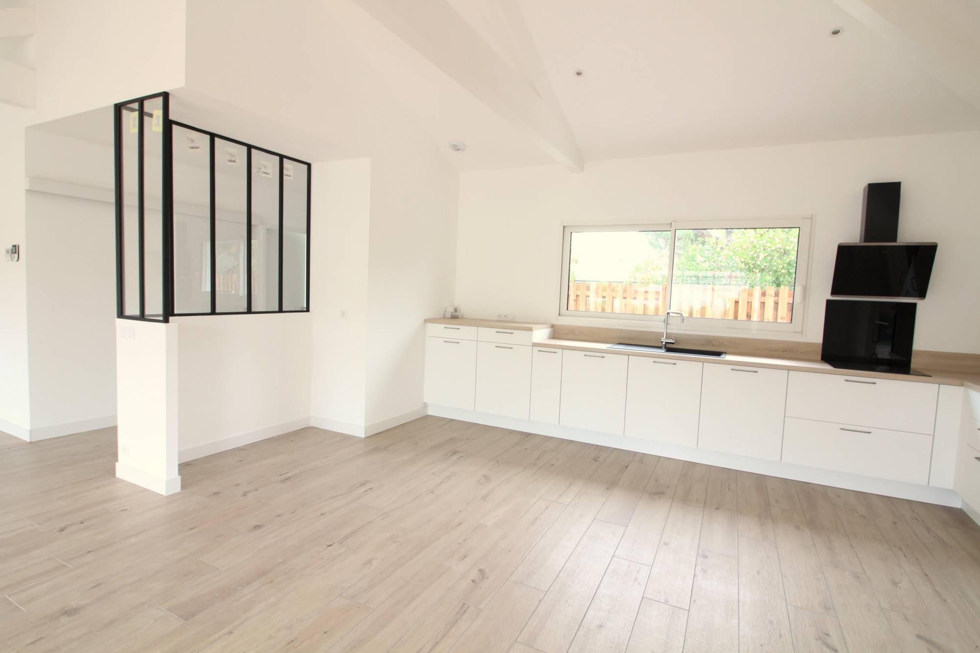 Maison moderne plain pied 3-4 chambres avec piscine à vendre LA HUME GUJAN-MESTRAS - Coldwell Banker