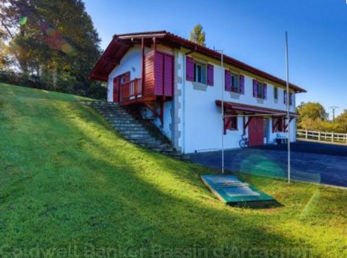 maison basque à la vente Coldwell Banker
