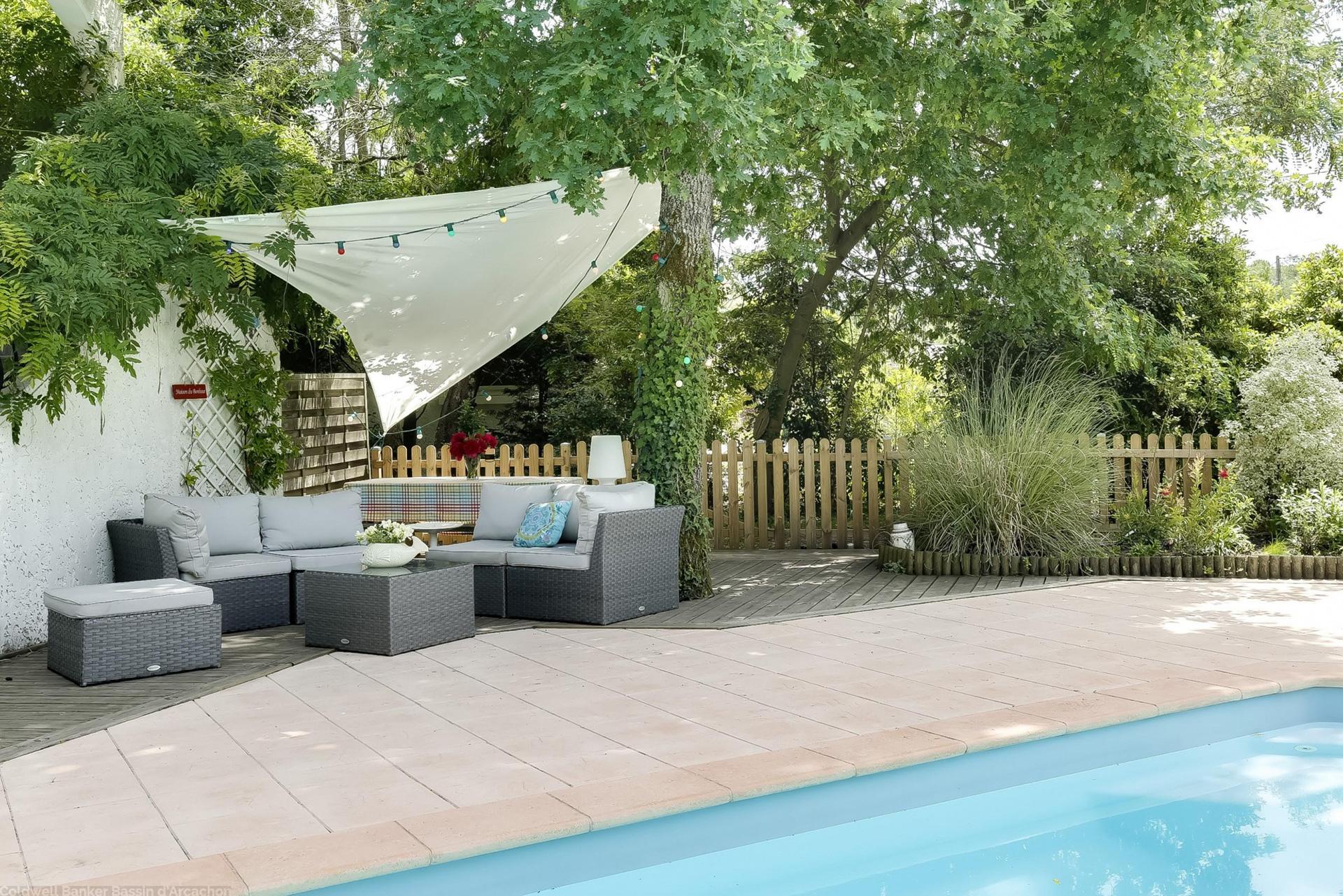 Villa contemporaine avec jardin et piscine à vendre sur le bassin d'arcachon