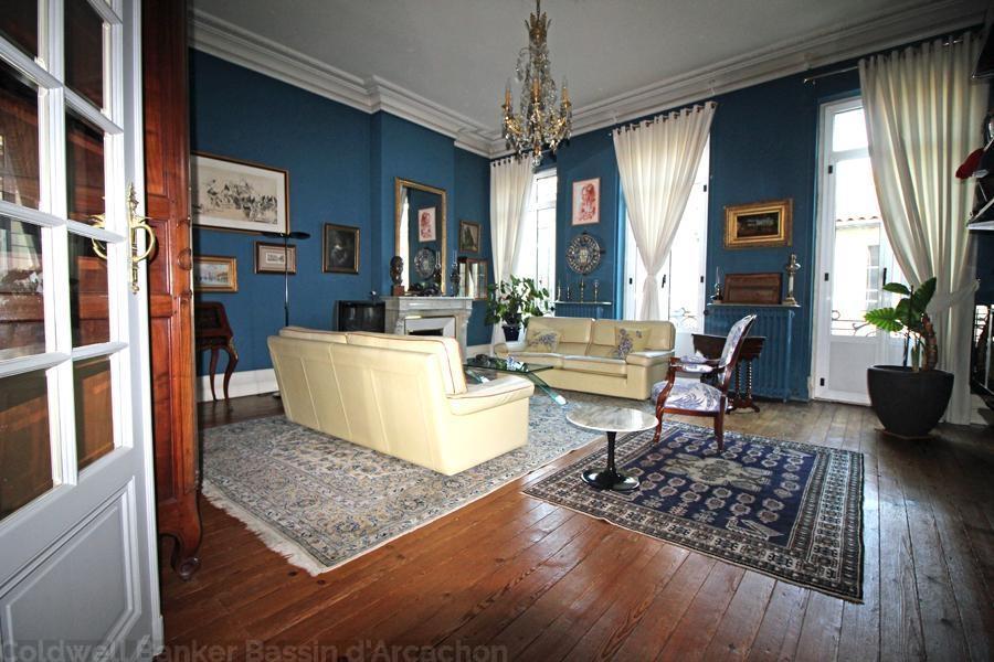 Belle maison bourgeoise à vendre à Bordeaux Jardin Public avec 5 chambres