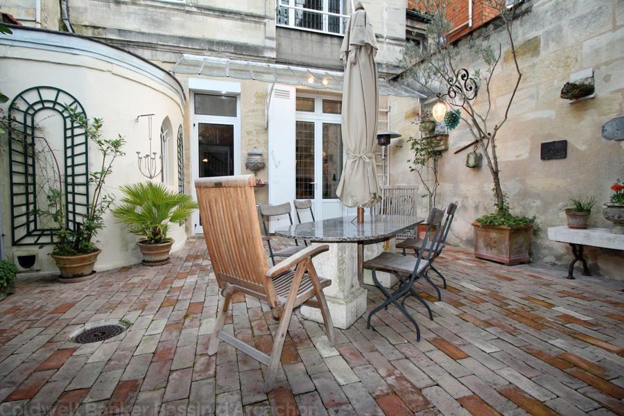 Vente maison villa bordeaux centre proche jardin public maison bourgeoise en pierre de 5 - Appartement bordeaux jardin public ...