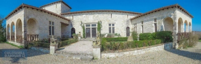 Ferme récente en pierre batie à l'ancienne avec piscine proche de Cahors à vendre
