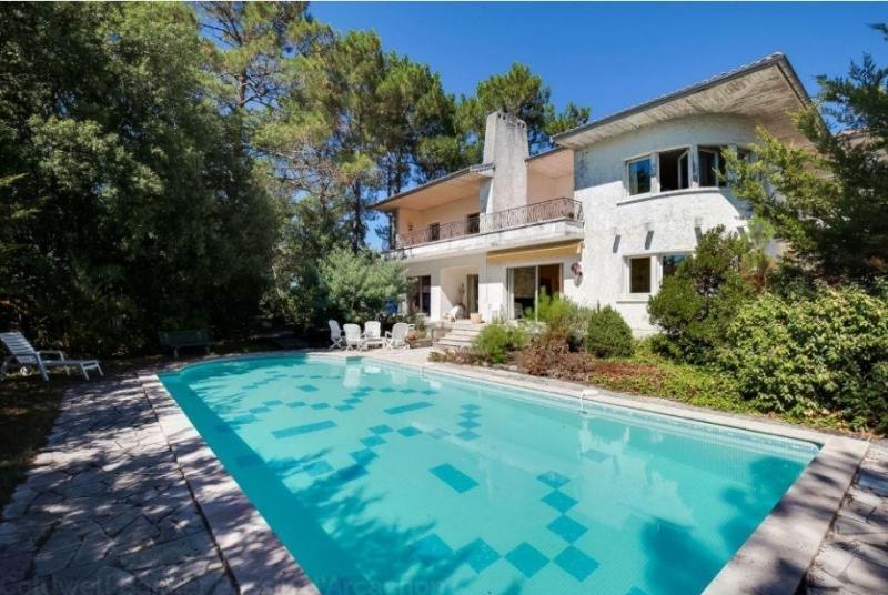 Grande villa à vendre à Pyla sur mer proche Cercle de voile avec piscine