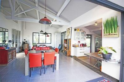 Grande villa à vendre à Arcachon avec piscine et 4 chambres