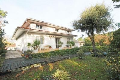 Villa contemporaine avec piscine à vendre ARCACHON ABATILLES