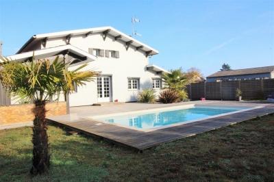 Villa récente avec piscine a vendre a la Teste de Buch quartier recherché sur un grand terrain
