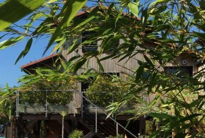 Vente Maison / Villa GUJAN MESTRAS En 1ère ligne sur le Bassin Villa en bois récente avec piscine